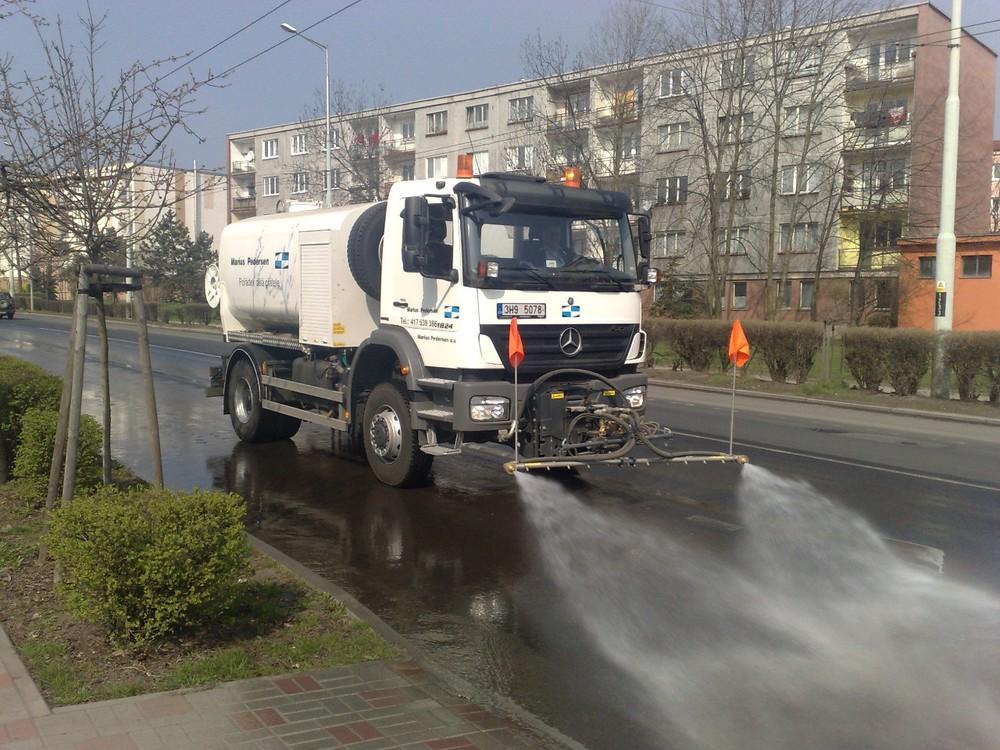 30.12_kropici-vozidla-silnicni-1.jpg