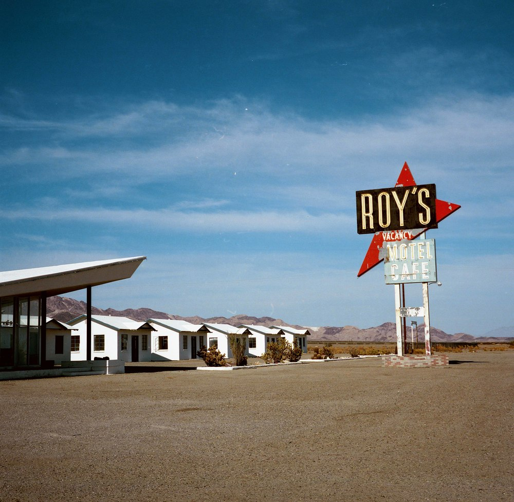 Roy'scafe.jpg