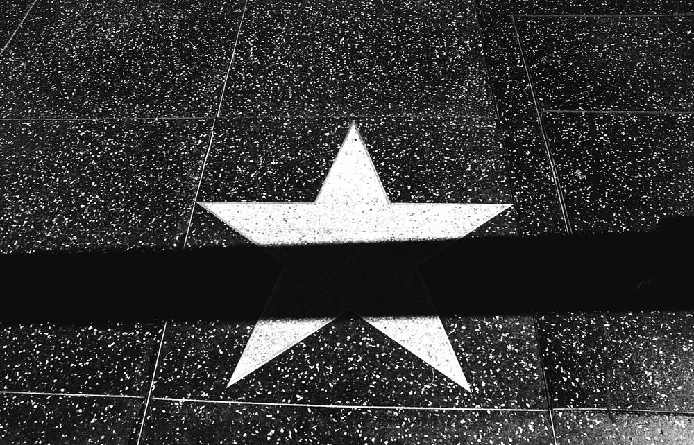 empty star.jpg