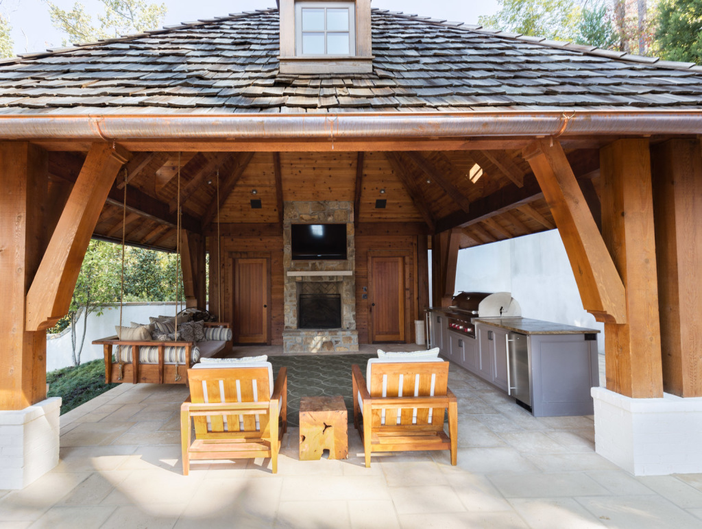This outdoor pavilion is a great space for entertaining, especially during football season! Again, in the daylight it's not bad, but could be so much better.