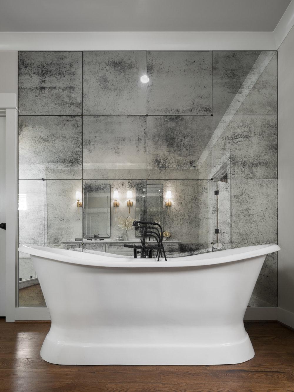 532 Broadway Bathroom-0001.jpg