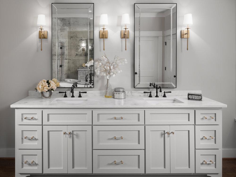 532 Broadway Bathroom-0003.jpg