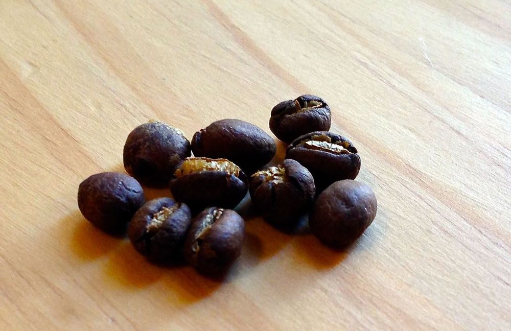 Roasted peaberry coffee