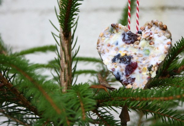 Bird cake Christmas tree