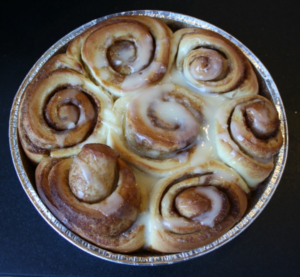 Cinnamon rolls with vanilla cream frosting