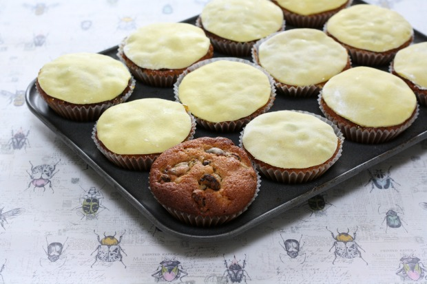 Mini Simnel Cakes for Easter Really Pretty Useful 11