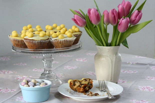 Mini Simnel Cakes for Easter Really Pretty Useful 2