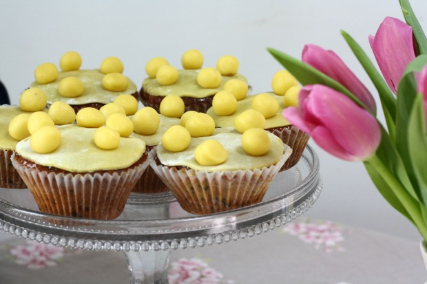 Mini Simnel Cakes for Easter  Really Pretty Useful 4