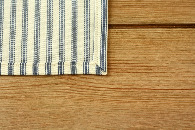 Make: Simple placemats and quick cloth napkins