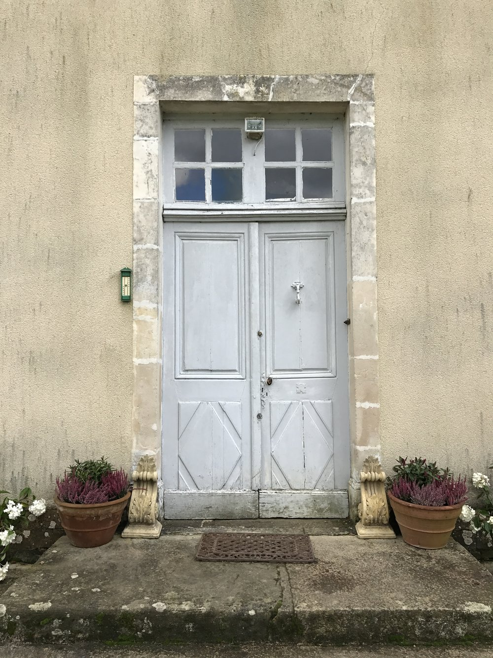 The front door at Chateau de la Ruche