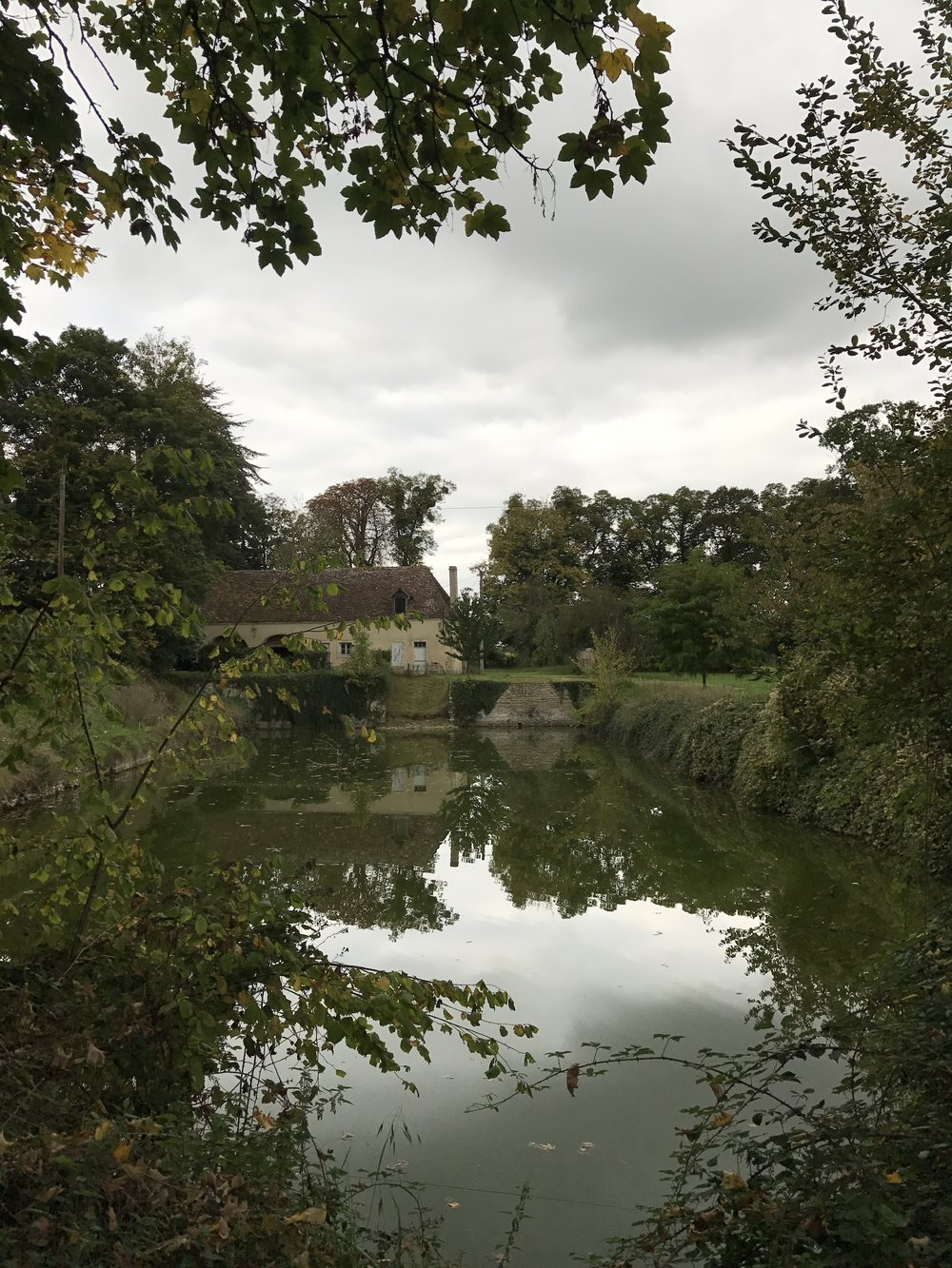 The lake at Chateau de la Ruche