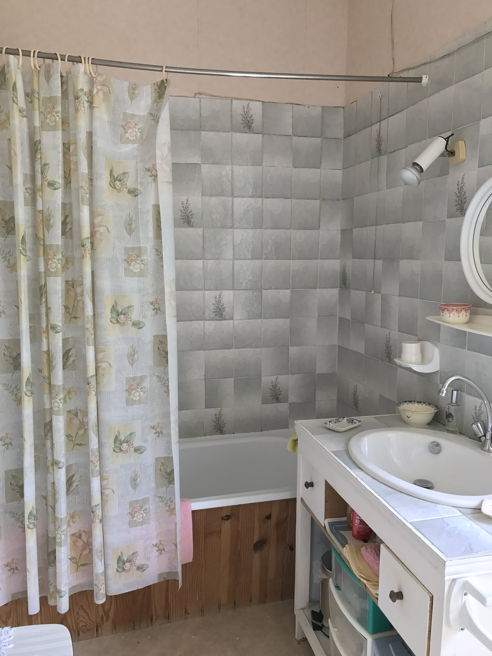 And its ensuite bathroom