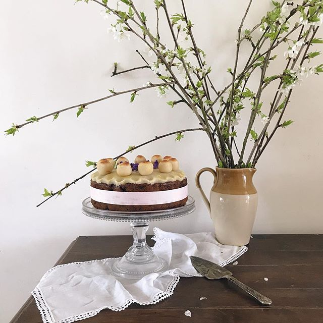 A little Simnel cake for Easter - have a lovely spring Sunday everyone x