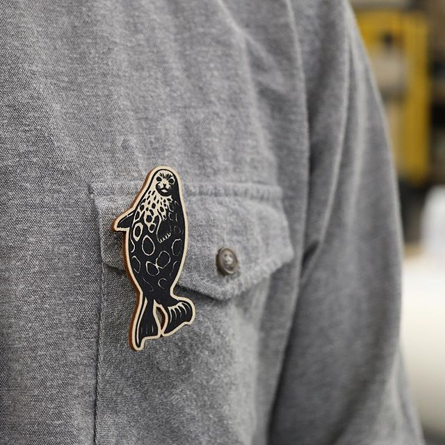We specialise in making the highest quality printed plywood jewellery pieces for our clients. We made these wooden brooches for @luonnonsuojeluliitto