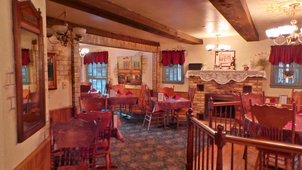 1-stoneridge-inn-front-party-dining-room.JPG