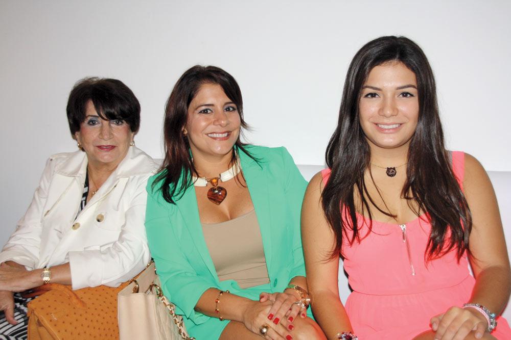 Mariana Miranda, Michelle Franco De León and Michelle Amelia León