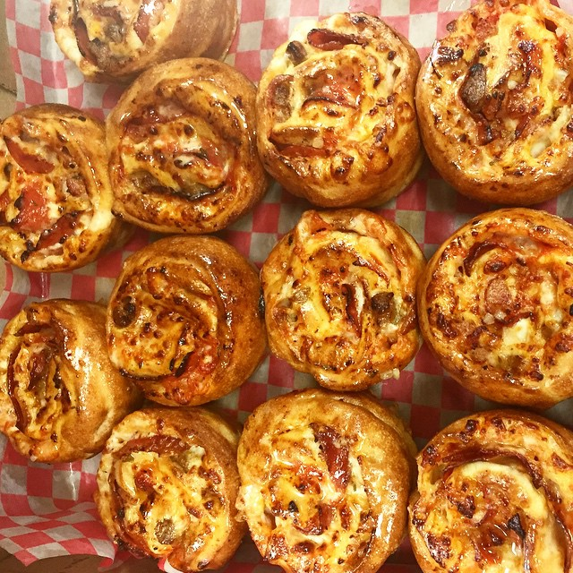Who wants some pizza twirls! 🍕🍕🍕🍕 #Fourbrotherspizza #Pizza #Oakville #Pizzatwirls 905-829-4040