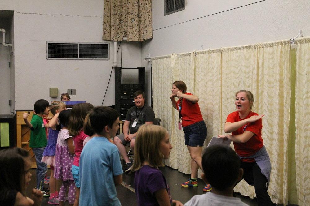 Alexia teaching at Phoenix Theatre Summer Camp.
