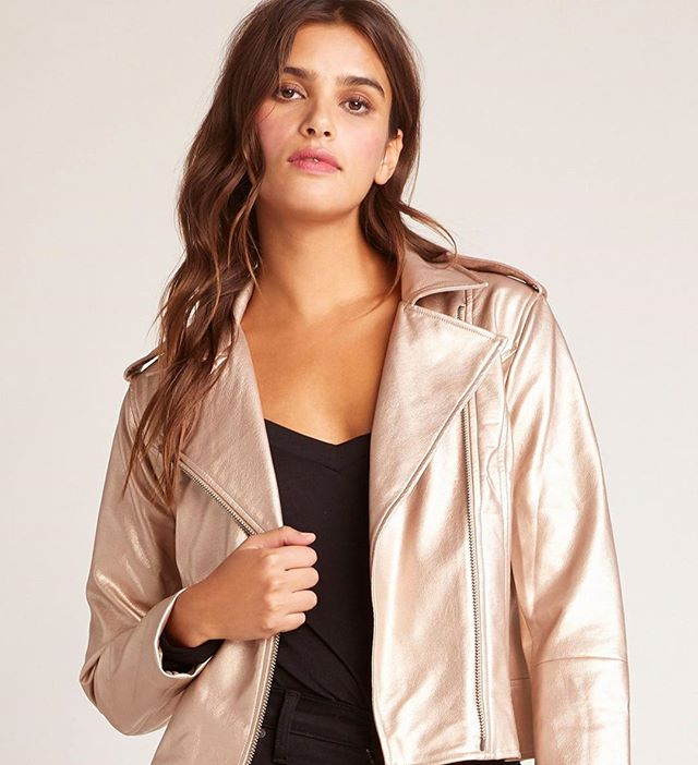 This gold leather jacket will be the biggest hit for your New Years outfit or even just a night out on the town! . . . #ootd #trendy #cincyboutique #boutique #shopcincy #shopsmall #trendyoutfit #cincinnati #montgomeryohio #cincyshops #cincyshop #cincinnatishops  #winteroutfit #bbdakota