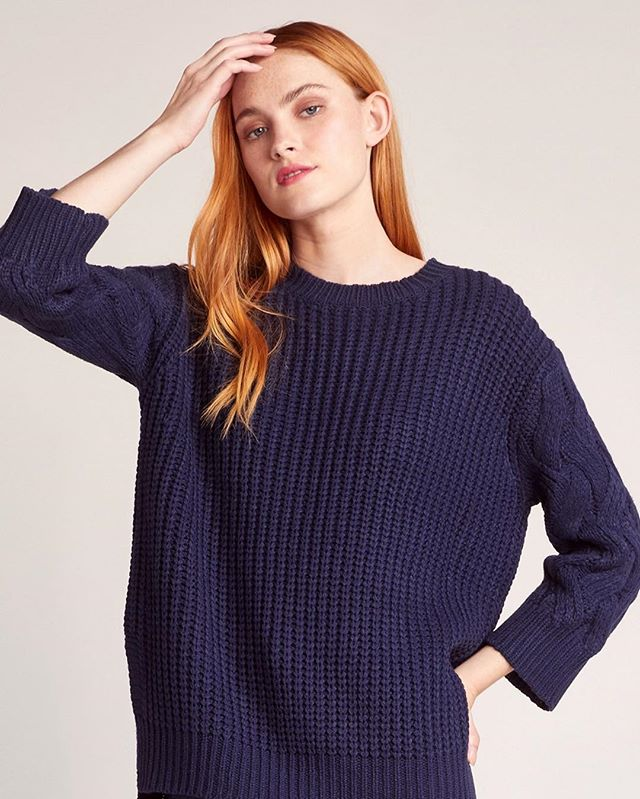 Get comfy with this adorable navy sweater! 😍
