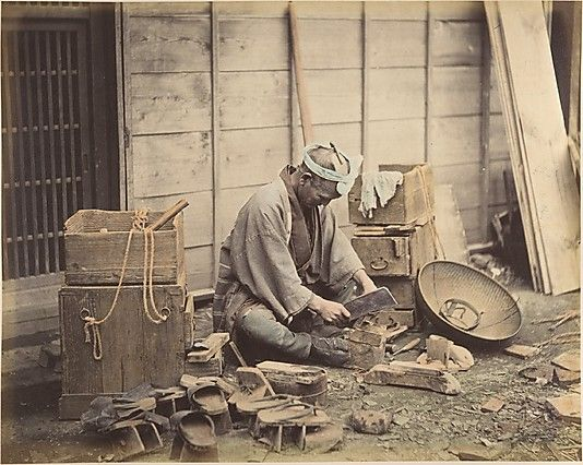 Geta/clog repairman -  a peddler with traveling tool box tansu.