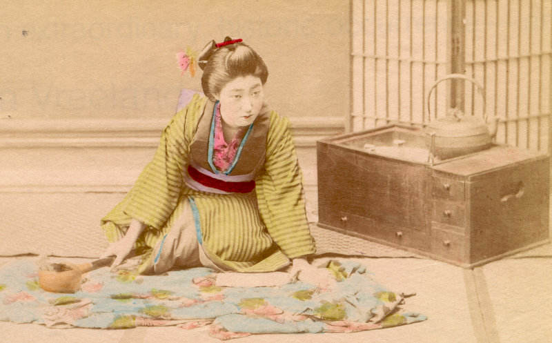 1-P-0131 ironing kimono.jpg