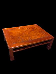 T-small-dark-table_00.jpg