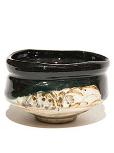 C-dark-green-glaze-tea-bowl-150_00.jpg