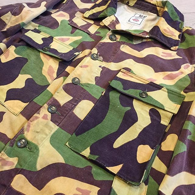 """Another lil one off creation for the """"King of Custom"""" @ryangreygrey Two Czech Vz 60 MLOK Airborne jackets of different tones turned into a WWII USN HBT style combat jacket. #MLOK #salemandercamo #clowncamo #coldwarcamo #czechcamo #vz60 #airborne #WWIIUSNHBT #USN #upcycle #custom #madeincanada"""