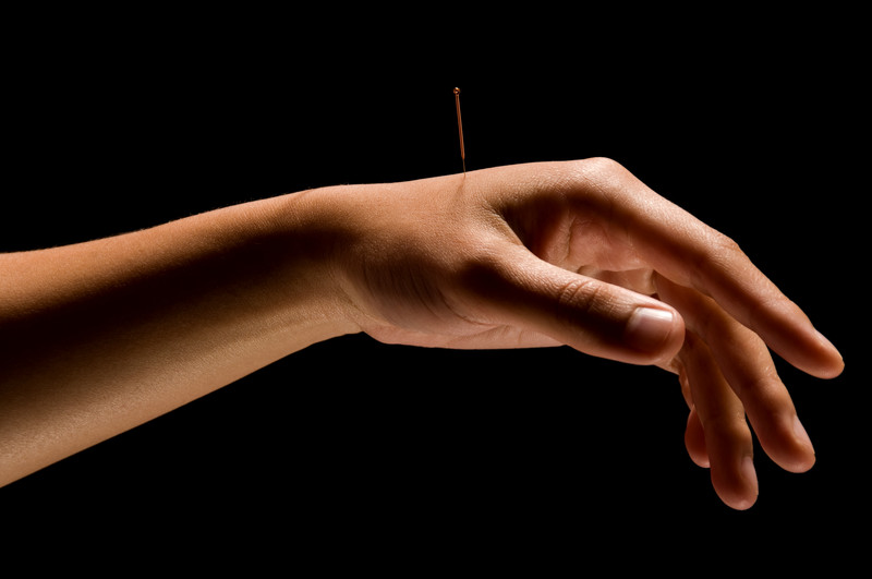 about us : hand needle.jpg