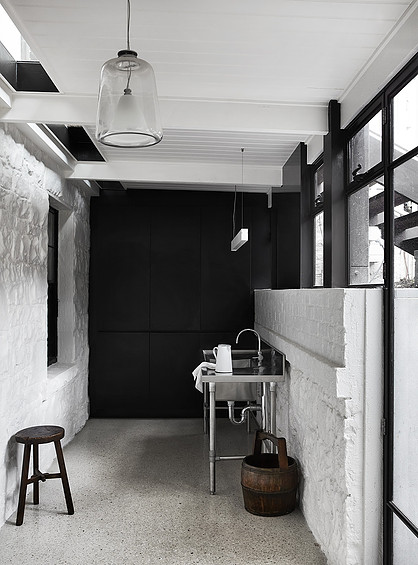 Hawthorn House, Melbourne Australia - Ross Tang Architects (www.nikkiweedon.com)
