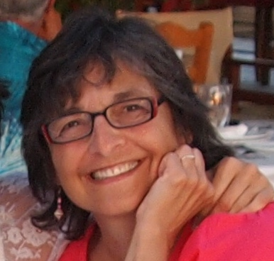 Susan Souder*   Joined 2007 - Soprano 2   Psychotherapist, mother of two who enjoys speedwalking, swimming and reading. Recently traveled to Peru, Greece and Vermont.