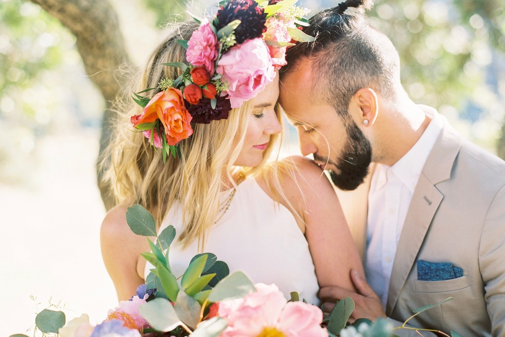 wedding inspiration // colorful BOHEMIAN SUMMER wedding