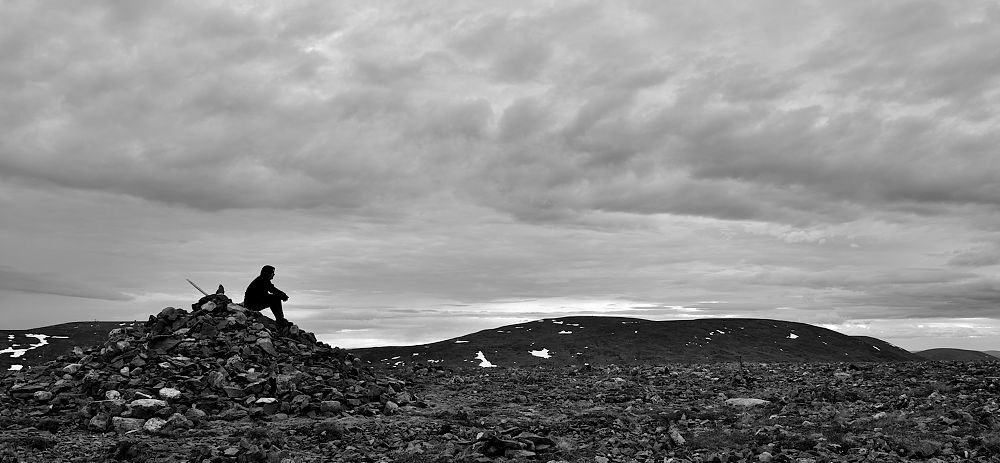 Palkaskeron huipulla. Oikealla Taivaskero (809m) jaPyhäkero (775m).