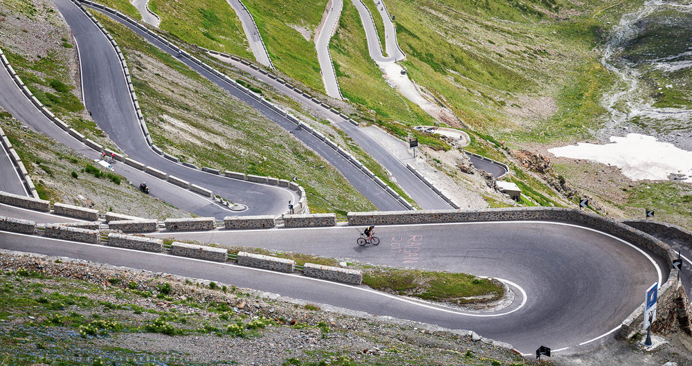 Ruben in the clear lead on Stelvio Pass.