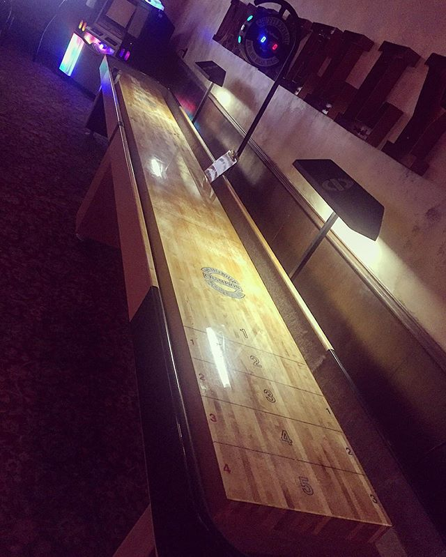 18' of shuffleboard action now available in the side room. get out of your cubicle and check it out. it's more fun than cubicles.  #shuffleboard #shufflepuck #pub #publife #dtmpls #dankellyspub
