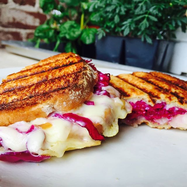 Winter chills means @farmsteadferments grills! Come to the #farmsteadmercantile and warm your hands and feed your soul with our delicious made hot to order sourdough grilled cheese! (Swiss cheese, @farmsteadferments Red & Green Classic Kraut, caramelized onions, and Dijon mustard) #healthyyummy #Fermented #local #supportsmallbusiness #melty #ScottsvilleVA