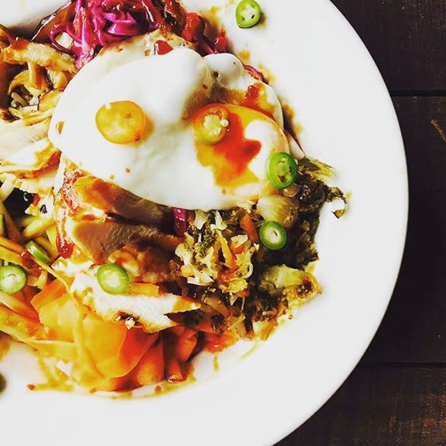 This week at the #farmsteadmercantile we have two different rice bowls made with fresh local ingredients! This is the Korean Rice Bowl: Organic Brown Basmati Rice, Chicken, Local Shiitake Mushrooms sautéed, lightly pickled Carrots, Red Cabbage, Summer Squash, Our Kimchi, Fried Local Egg, Sesame seeds, & Housemade Korean BBQ sauce on the side. Vegan or Vegetarian option available with tofu and extra veggies.