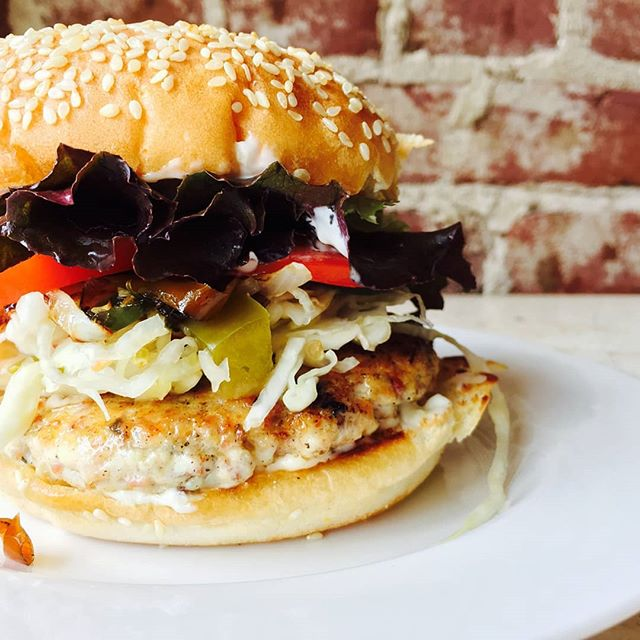 Hungry? Come to 330 Valley Street in Scottsville, VA and grab a mouthwatering Chicken Bacon Burger! Comes with lettuce tomatoes and your choice of garlic aioli or barbeque mayo, but there are several fun add ons like raw or carmelized onions, carmelized jalapenos, or even an egg. Black Bean version available for our veggie/vegan friends!  #farmsteadmercantile #bacon #EatLocal #ScottsvilleVA