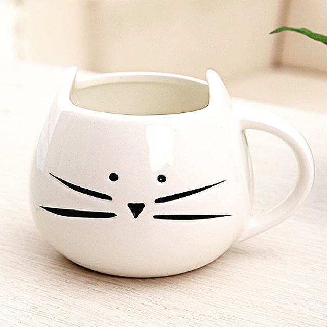 This mug is beyond adorable 💕 Go to our online shop to buy 😻. . . . #mug #cat #cats #catsofinstagram #catsofinsta #catofday #mugs #ceramics #gift #mondaysbelike #ny #nyc #accessories