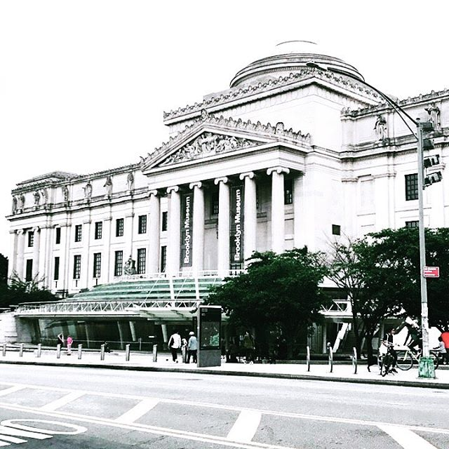 This city!! . . . . . #brooklyn #bk #nyc #ny #newyork #shophologram #cityscape #urbanjungle #thatsdarling #brooklynmuseum