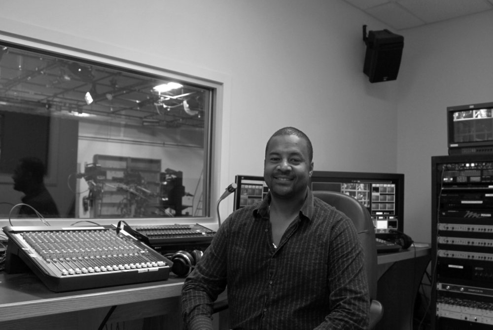 Suriname Ivan studio console_3559-1.jpg