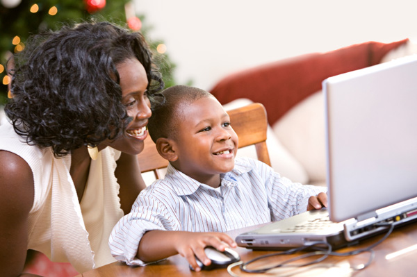 mom-and-child-on-computer-at-christmas-time.jpg
