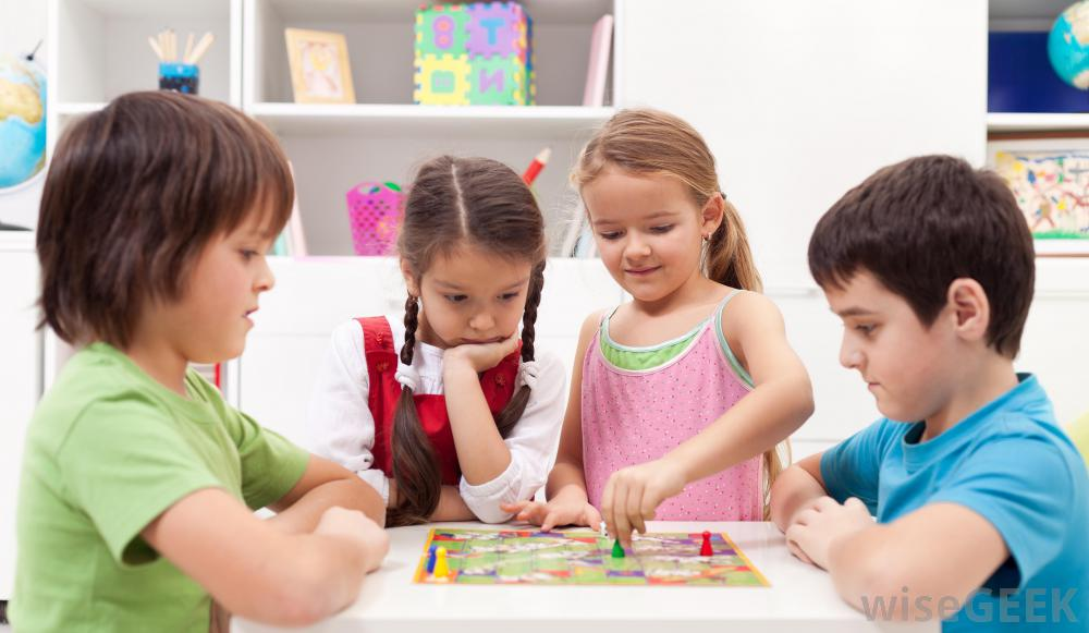 kids-playing-board-games.jpg