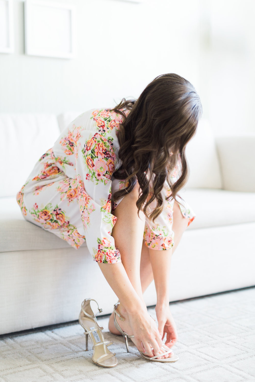 Toronto Fine Art Photographer - Four Seasons Yorkville Wedding - Bride Getting Ready-31.jpg
