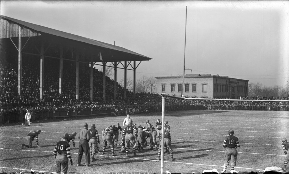 Case Western Reserve University football game, 1915