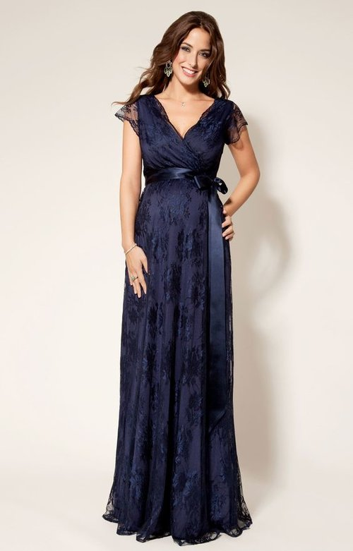 d598a090e45 Dress your baby bump  10 online stores for the stylish mama-to-be ...