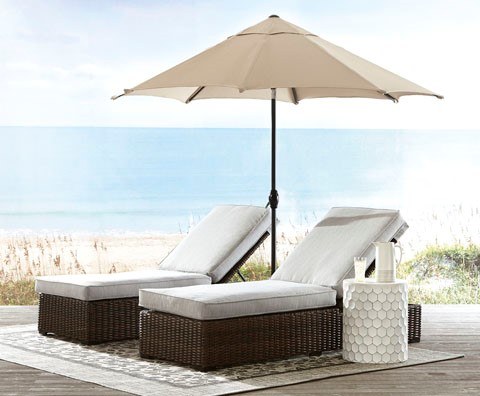 Alta Grand Chaise Lounges