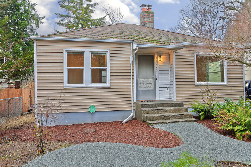 11337 15th Ave NE, Seattle {Heather Rogers} 12.10.15- EDITED-0001.jpg
