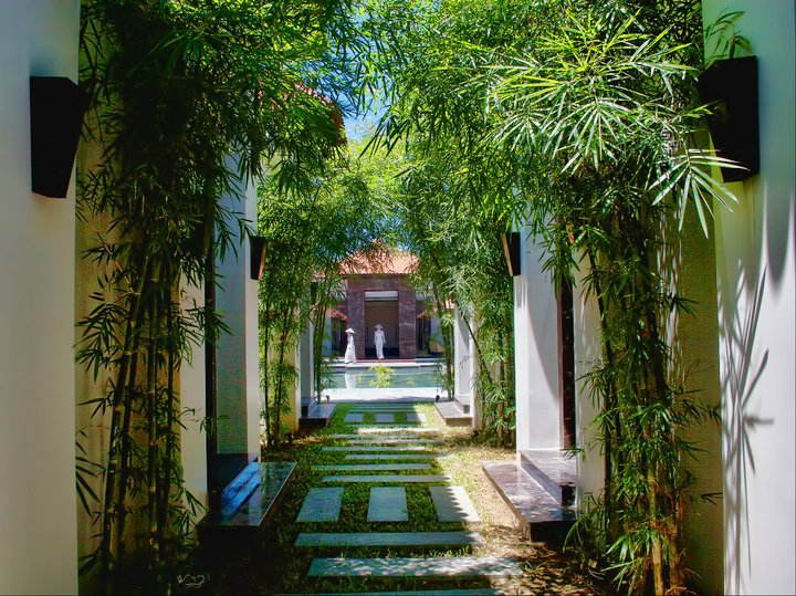 SPA ENTRANCE AT THE ANA MANDARA